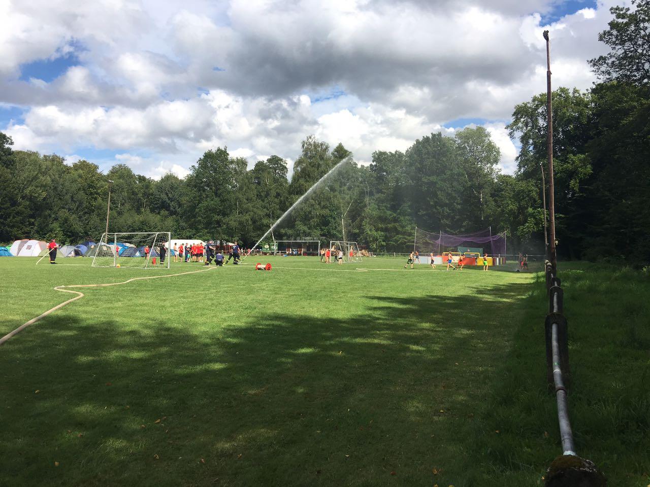 Wasserspiele beim VFL-Zeltalger